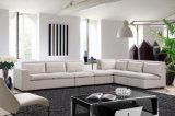 O Chaise da combinação e o sofá da sala de estar ajustaram-se com coxim
