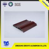 Aluminiumstrangpresßling mit hölzerner Oberfläche