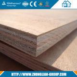 Le prix bon marché imperméabilisent les constructeurs enduits en plastique de feuille de contre-plaqué colorés par PVC de formica de 4mm