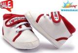 Chaussures occasionnelles infantiles de chaussures de bébé de filles de garçons d'enfants de gosses nouveau-nés en gros