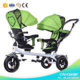 新しい赤ん坊の三輪車の母およびしょいこの子供2のシートの子供の三輪車