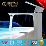 Faucet de banheira colorido do revestimento do cozimento da forma (BM-B10025W)