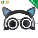 Cuffie collegate d'ardore delle cuffie LED delle cuffie di stile dell'orecchio di gatto