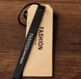 Изготовленный на заказ бумажный Hangtag с слоением (CMG-062)
