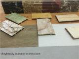 Scheda di bordatura di WPC sul modanatura del pavimento del bordo delle pareti