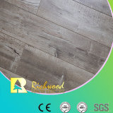 Graver en relief-dans-Enregistrer le plancher en stratifié stratifié par HDF d'AC4 E0
