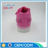 Zapatilla de deporte profesional de China LED de la buena calidad