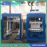 機械を作る煉瓦ブロックを舗装するQt4-15cドバイ