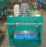 カラー機械を形作る鋼鉄コイルによって接合箇所隠される屋根のパネルロール
