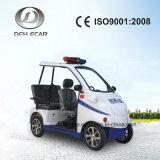 Mini carrello facente un giro turistico elettrico della pattuglia del carrello