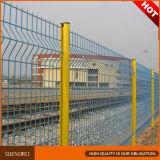 3D que dobla la cerca cuadrada soldada cubierta PVC del acoplamiento de alambre de 4m m