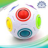 A novidade mágica esférica do brinquedo do cubo brinca a aprendizagem do arco-íris do enigma do futebol e brinquedos educacionais para adultos das crianças