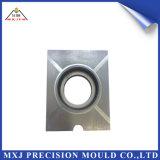 Parte di plastica del modanatura dello stampaggio ad iniezione del metallo per le coperture di vetro dell'automobile