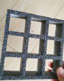 FRP/GRPのスリップ防止格子、ガラス繊維は格子をきしらせた