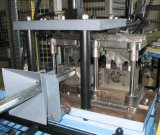 auf Förderung-der vollautomatischen Zaun-Pfosten-Rolle, die Maschine bildet
