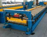 Buntes Stahljobstep-Fliese-Dach-Blatt, welches die Formung der Maschine bildet