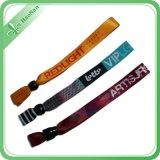 Zoll gesponnener Wristband mit Stickerei-Firmenzeichen für Ereignis