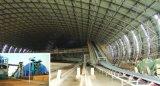 Telhadura de aço clara do frame do espaço na construção de edifício