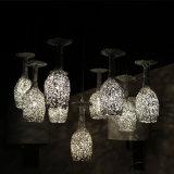 装飾的なレストランのためのアルミニウム白いコップのペンダント灯
