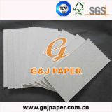 Papel de tarjeta gris de la talla regular en la hoja para el embalaje del cartón