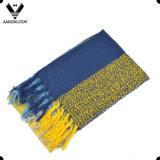 Hohe Form-überprüfter Schleifen-Garn-Schal mit Fransen