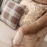 Strato classico americano del sofà di legno della tappezzeria con la presidenza del braccio di Loveseat