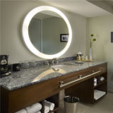 Vanità LED della stanza da bagno dell'hotel delle 5 stelle illuminata intorno allo specchio di illuminazione