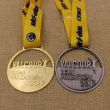 De levering paste Goedkope Metaal Opgepoetste Glanzende Gouden Medaille aan