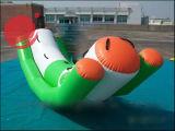 2017の熱い販売膨脹可能な水おもちゃの小型TeeterboardのボートT12-202
