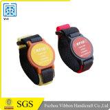 Competitivo precio de fábrica de suministro RFID promocionales pulseras de silicona