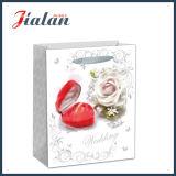 Hochzeit blüht die Geschenke, die Einkaufen-Träger-Geschenk-Papiertüten packen
