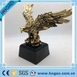 Statue all'ingrosso del gufo della resina per la decorazione domestica