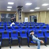 Место аудитории с микрофоном и Seating аудитории стула аудитории стула стулов театра лекции по системы перевода общественным (R-6143)