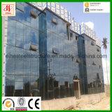 Modernes Stahlbürohaus mit Glaszwischenwand