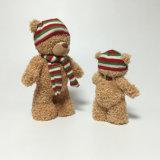 Fantasia do inverno que está o brinquedo enchido macio do urso do lenço do luxuoso macio