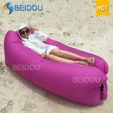 Ein Mund-Kneipe-Bohnen-Beutel-aufblasbarer Luft-Sofa-Schlafsack