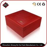 Boîte-cadeau de papier d'emballage avec du matériau réutilisé