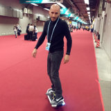 Hete Verkoop Één Skateboard van de Autoped van het Wiel het Elektrische Zelf In evenwicht brengende Elektrische