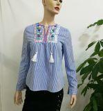Изготовленный на заказ изготовления одежды продают одежду оптом женщин кофточки втулки вышивки голубой нашивки длиннюю