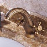 Flg Antique Bathroom Basin Mixer com alavancas duplas