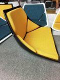 실내 장식품 섬유유리 회전하는 기다리는 의자