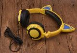 工場熱い販売法Foldableステレオの白熱猫耳のヘッドホーン