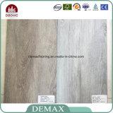Tipo di plastica mattonelle di uso dell'interno di pavimento del PVC