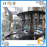 De volledige Lopende band van het Mineraalwater/Het Vullen van het Water van de Fles Machine