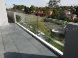 Конструкция Railing террасы систем балюстрады алюминиевого низкопробного ботинка стеклянная
