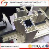 Perfil do indicador e da porta do PVC que faz a linha da extrusão da máquina