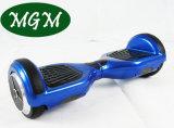 Un auto delle 6.5 rotelle di pollice due che equilibra motorino elettrico