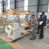 Doppia macchina di alluminio per il profilo preciso di taglio