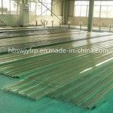 ガラス繊維のマットおよび樹脂から成っている屋根瓦およびパネル