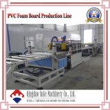 Línea de la máquina del estirador de la tarjeta de la corteza del PVC con Ce y la ISO